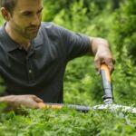 Fiskars PowerGearX™ fém fogaskerekes sövénynyíró HSX92